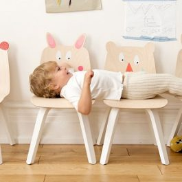 Muebles para jugar, Play Table and Chairs de Oeuf